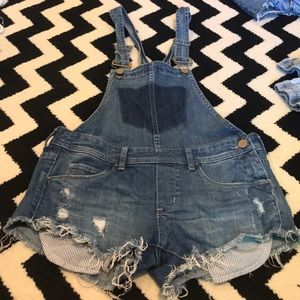 BLANK NYC SMALL OVERALL SHORTS
